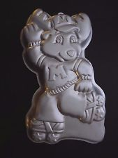 Wilton Cake Pan Treat Mold Birthday Montgomery Moose 1985 2105-1968 Roller Skate