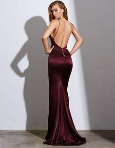 Discover recipes, home ideas, style inspiration and other ideas to try. Satin Dresses, Sexy Dresses, Formal Dresses, Silk Gown, Dress Me Up, Models, Dress To Impress, Ball Gowns, Evening Dresses