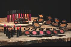 La La is hosting a Motives Cosmetics Giveaway in which three winners will receives 5 Lip Shines, 5 Lipsticks, 1 Powder Compact, 1 Court Mineral Eye Shadow Palette, 1 Mineral Mascara, 1 Cream Foundation, 1 Mineral Blush and 1 Mineral Eyeliner. Click on the pic for more details!