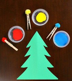 Create a Christmas Tree craft using a simple painting with pom poms technique. It's a great toddler craft. Christmas Tree Painting, Christmas Tree Crafts, Christmas Projects, Christmas Themes, Santa Crafts, Xmas Tree, Christmas Crafts For Kindergarteners, Simple Christmas, Christmas Christmas