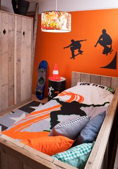 Fierce boys bedroom via www.saartjeprum.nl