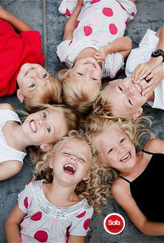 This would be a sweet cousin photo Family Posing, Family Portraits, Family Photos, Family Of 6, Extended Family, Sibling Photography, Children Photography, Group Photography, Amazing Photography
