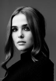 zoey-deutch