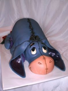 LOVE this and heart Eeyore.  Oh my a cake after my own heart... I'd never eat it :D