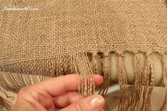 A beautifully woven burlap table runner DIY tutorial - Fab You BlissWoven Burlap Table Runner I can imagine adding some lace.DIY burlap table runner with tassels Farmhouse Tablecloths, Burlap Tablecloth, Farmhouse Table Runners, Burlap Curtains, Burlap Crafts, Diy Crafts, Burlap Projects, Burlap Kitchen, Burlap Table Runners