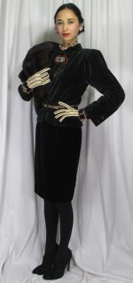1940's Heroine