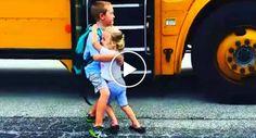 Todos Os Dias Este Irmão é Recebido De Braços Abertos Pela Sua Irmãzinha Sempre Que Chega Da Escola http://www.funco.biz/os-dias-irmao-recebido-bracos-abertos-pela-irmazinha-sempre-chega-da-escola/