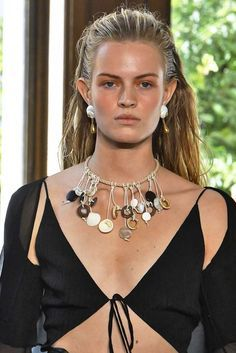 59ce566bdb7143 The Best Jewelry Trends from Paris Fashion Week Spring 2019