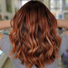Balayage Blonde Ends - 20 Fabulous Brown Hair with Blonde Highlights Looks to Love - The Trending Hairstyle Hot Hair Colors, Red Hair Color, Hair Color Balayage, Brown Hair Colors, Ombre Hair, Autumn Hair Colors, Blonde Color, Brown Hair With Highlights, Brown Blonde Hair