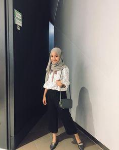 #349pm #Apr #Instagram #post #tsftehah #UTC       #instagram #tsftehah #post #apr #utc #by Hijab Casual, Ootd Hijab, Hijab Chic, Girl Hijab, Casual Outfits, Fashion Outfits, Women's Fashion, Modern Hijab Fashion, Hijab Fashion Inspiration