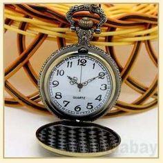 646ee553c01 relógio de bolso em metal com corrente lua