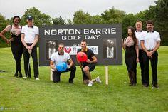 Max com o pai e amigos no evento da @NortonBarrieUK de golfe para a caridade em Mnachester. (19 jun.)