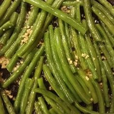 Buttery Garlic Green Beans - These green beans are so good! Justin and I couldn't stop eating them!