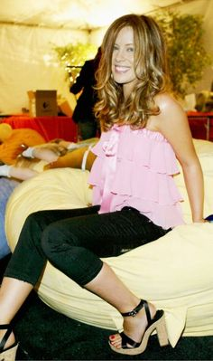 Kate Beckinsale in 2004