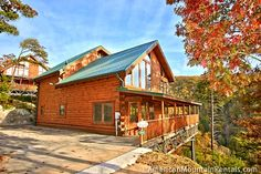 Lost Texan - Don't be fooled by this cabins name! This cabin has a spectacular mountain view of the Smoky Mountains! http://americanmountainrentals.com/cabin-detail/?cid=234