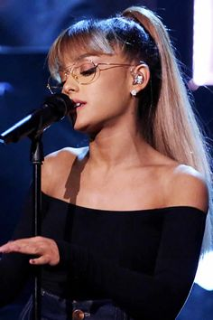ARIANA GRANDE OPEN TO SINGING COUNTRY MUSIC
