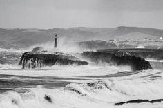 #Lighthouse - Isla de Mouro, Santander (Cantabria), #Spain  -  http://dennisharper.lnf.com/