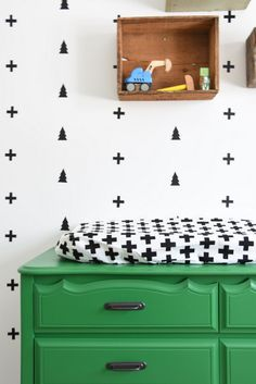 How to Create A Black And White Nursery Accent Wall is part of White kids room - How to Create A Black And White Nursery Accent Wall MinimalistNursery Green Green Boys Room, White Kids Room, Room Boys, Kids Rooms, Decorating Your Home, Diy Home Decor, Room Decor, Wall Decor, Nursery Decor