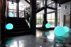 lampy Nuno'ni Lamp Design, Light Decorations, Creative, Stairs, Furniture, Mansions, House Styles, Outdoor Decor, Inspiration