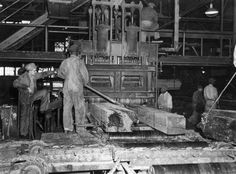 Florida Memory - Workers operate gang saw cutting lumber at Lee Tidewater Cypress Company mill - Perry, Florida
