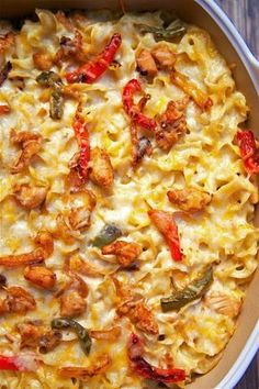 Chicken Fajita Noodle Casserole - Makes a lot - can split between 2 pans and freeze one. Chicken Fajita Casserole, Chicken Fajitas, Casserole Dishes, Casserole Recipes, Pasta Casserole, Pasta Bake, Breakfast Casserole, Pasta Dishes, Food Dishes