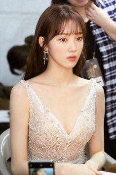 LEE SUNG KYUNG | ЛИ СОН КЁН | 이성경 Lee Sung Kyung Fashion, Nam Joo Hyuk Lee Sung Kyung, Sung Hyun, Lee Sung Kyung Hair, Korean Actresses, Korean Actors, Korean Beauty, Asian Beauty, Korean Celebrities