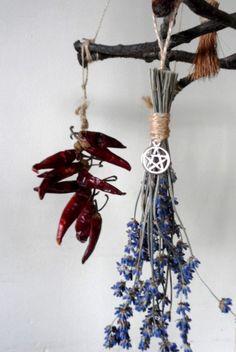 Yule Wiccan païen cadeau rameau de chêne par PositivelyPagan                                                                                                                                                      Plus