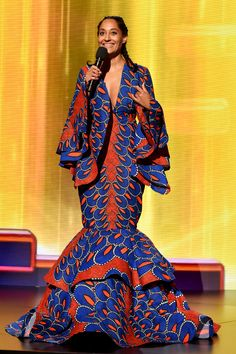 American Music Awards See All 10 of Tracee Ellis Ross' Fierce Fashion Looks African Fashion Designers, African Men Fashion, Pantone, Use E Abuse, Tracee Ellis Ross, African Dress, African Outfits, African Clothes, African Attire