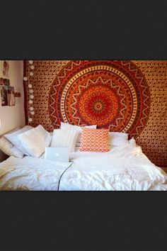 I'm in love, this is exactly how I want my bedroom to look like
