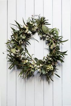 A craft lover, homeowner Catherine fashioned the festive wreath by adorning a wire coat hanger with native foliage. Photography: Maree Homer | Story: Australian House & Garden