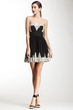 Lace Applique Pleated Dress//