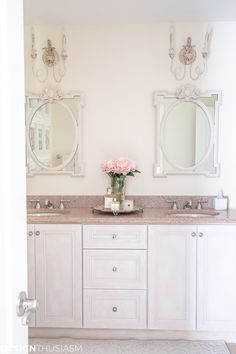 Looking to update a builder grade bathroom? These bathroom makeover ideas will help you upgrade your bathroom on a budget. Country Bathroom Vanities, Bathroom Vanity Makeover, Budget Bathroom, Bathroom Renos, Bathroom Makeovers, Master Bathroom, French Country Interiors, Country Interior Design, French Farmhouse Decor