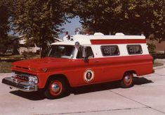 Carryall ambulance photos - Friends of the Professional Car Society - Official Website of the Professional Car Society, Inc.