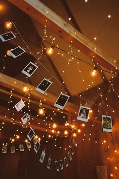 This is one of the fairy lights bedroom ideas that is perfect to hang pictures with. These fairy lights bedroom ideas are perfect to add warmth to your flat in an affordable way. Check out the different string lights to add to your space. My New Room, My Room, Photo Polaroid, Polaroid Ideas, Polaroid Pictures, Autumn Interior, Bedroom Inspo, Bedroom Ideas, Diy Bedroom