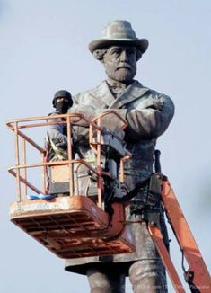 The Truth Behind the Crusade to Destroy Confederate Monuments and Memorials Posted: 19 May 2017 09:46 PM PDT – E. Michael Helms Confederate Statues, Confederate Monuments, Confederate Leaders, Us History, History Books, American Civil War, American History, Robert E Lee Statue, Southern Heritage