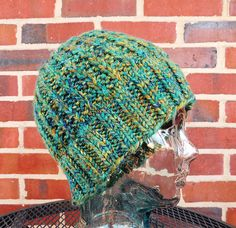 Make a cozy hat with Lion's Pride Woolspun! Get the free knit pattern on Ravelry by YaYa Lovestoknit!