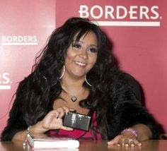 Snooki hits New York for book signing