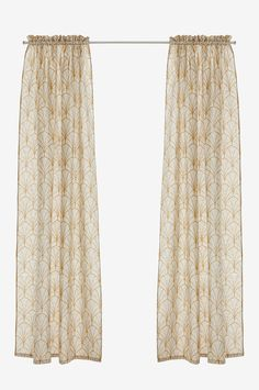 Kanallängder i lin/bomullskvalitet. Längderna är tvättade efter sömnad för en mjuk och lite sliten vintagelook. Tryckt mönster. 5 cm kanal och rynkhuvud upptill. Träs direkt på gardinstången. Bredd 140 cm. 2 längder: 220 och 250 cm. Kanallängder är enkla gardinmodeller som passar alla stilar. Välj hur mycket rynkor du vill ha genom att dra ut eller trycka ihop gardinen. Oeko-tex certifierad 08.HRU.13300 vilket innebär att produkten har testats och uppfyller Oeko-tex krav för att inte ...