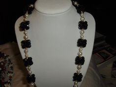 """""""Black And Pearl"""" Lei --- $3.00 + $3.00 shipping in the USA"""
