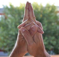 Nerozumím, jak je to možné, ale funguje to. Podržte ruce v této poloze a s Vaším tělem to udělá hotové zázraky. Mě to pomohlo v.. - Strana 2 z 2 - primanatura.cz Funguje To, Fitness, Self Esteem, Hands, Health, Excercise, Health Fitness