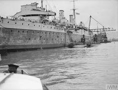 Royal Navy Submarine, Old Firm, Navy Ships, Submarines, Squirrels, Battleship, Wwii, Safari, Old Things