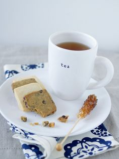 Love that cup! Oh, and the shortbreads look good too...