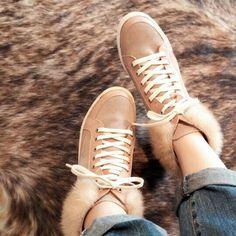 #namuhana #fashion #trend #designer #handmade #mink #hightop #sneakers #N2320BE  #패션 #트렌드 #디자이너 #슈즈 #나무하나 #수제화 #밍크 #하이탑 #스니커즈