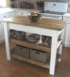 This would be nice for some extra storage! DIY Island