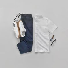 10 Capsule Wardrobe Outfit Grids For Men Mens Casual Dress Outfits, Men Dress, Summer Outfits, Fashion Outfits, Capsule Wardrobe Men, Mens Fashion Blog, Fashion Menswear, Style Fashion, Minimal Wardrobe