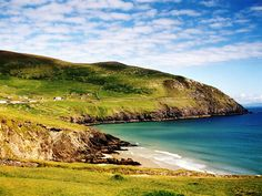 20 incredible worldwide destinations for your bucket list (The Emerald Isle) by BigStock.com th