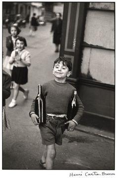 Rue Mouffetard, Paris (Henri Cartier-Bresson, 1954)