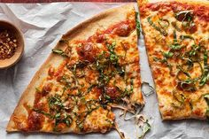 http://www.chow.com/videos/show/the-easiest-way/128601/how-to-make-easy-homemade-pizza
