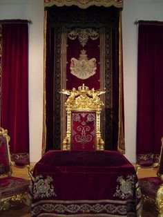 King Ludwig II throne | Flickr