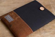 布製の手になじむオーダーメイドノートパソコンケースです。(液晶サイズ15インチ)スペックサイズを元にして「ぴったりサイズ」のケースをお作りします。ノートパソコ...|ハンドメイド、手作り、手仕事品の通販・販売・購入ならCreema。                                                                                                                                                                                 もっと見る